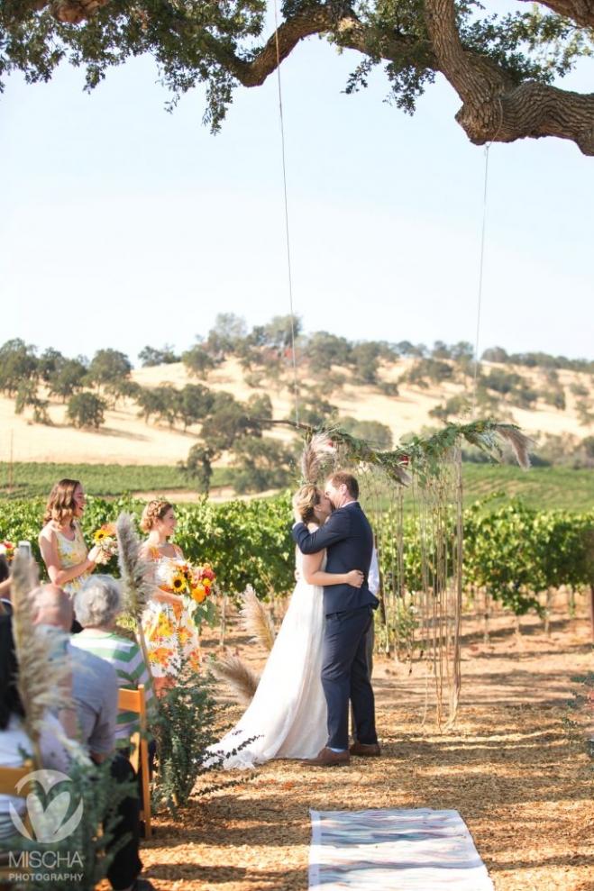 Rancho Victoria Vineyard wedding